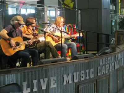 Austin-airport-live-music-david-holt