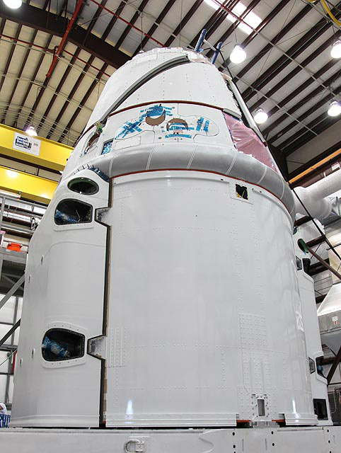 Dragon-spacecraft-final-processing